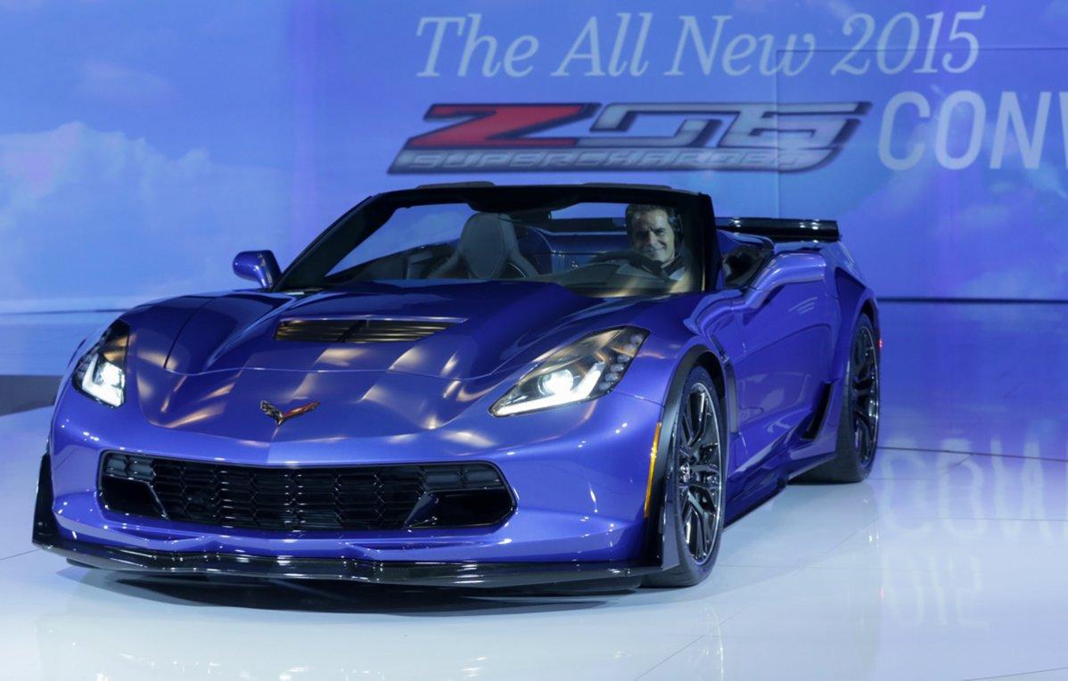 2015 Corvette Z06 Convertible – New York Auto Show