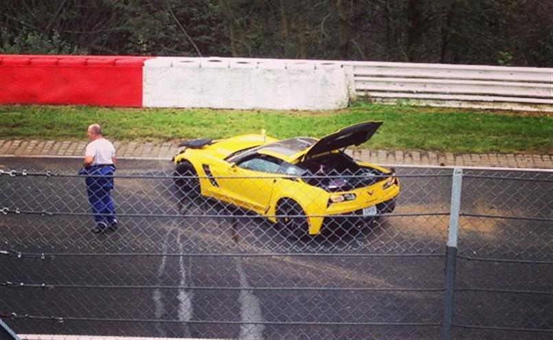 2015 Corvette C7 Z06 testing at the Nurburgring Crashes