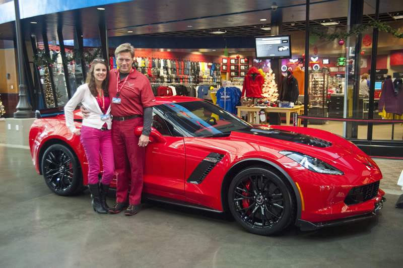 Christmas comes early for Pasco lover of Corvettes
