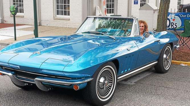 Woodward Dream Cruise 'bittersweet' for Rochester Hills couple year after Corvette stolen