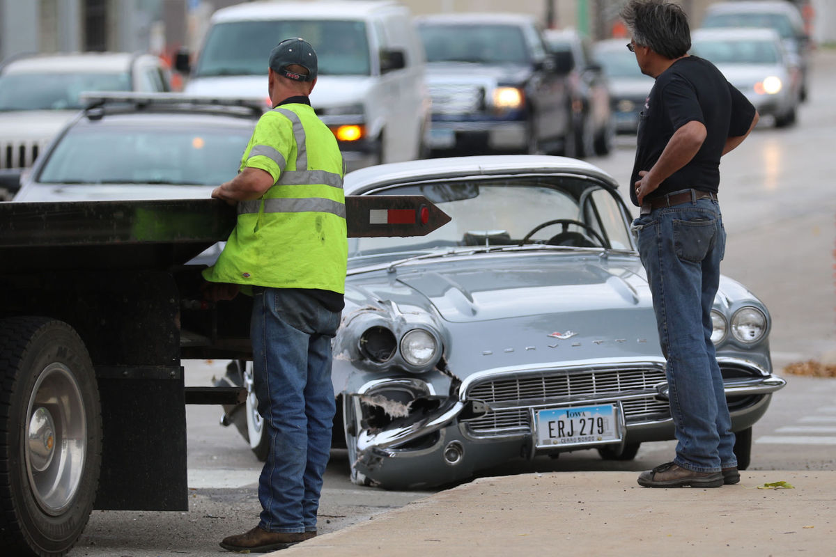 Just Restored 1961 Corvette Crashes Into Car on Final Test Drive