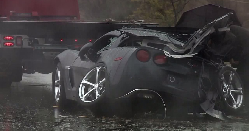 [ACCIDENT] 2013 Corvette Crashes Into Tree Killing Driver in California