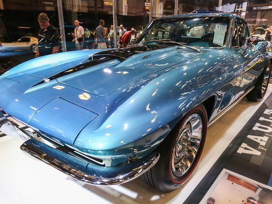 Vietnam Veteran's Pristine 1967 Corvette Sells for $675,000 at Auction