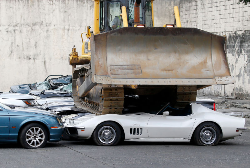 [VIDEO] Philippine Government Crushes 30 Luxury Vehicles And Sports Cars  Including A 1969 Corvette